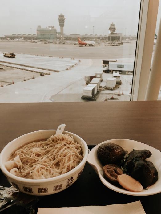Makanan wajib kalau transit di HK. i was never a fan of meat. so this was heaven sent